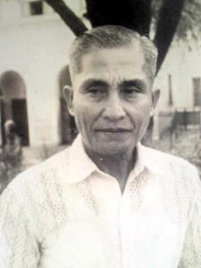Photograph of elder Filipino farmer.